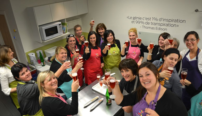 Whether it is for a Christmas party, a team-building activity or any other corporate event, our cookie & cupcake decoration workshops will be a hit!
