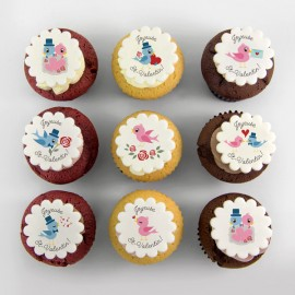 Valentine Cupcakes with lover birds illustrations